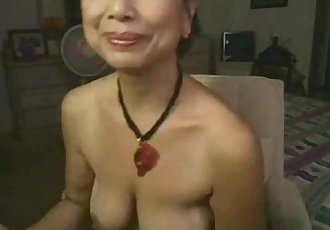 Asian granny masturbates on webcam - 20 min