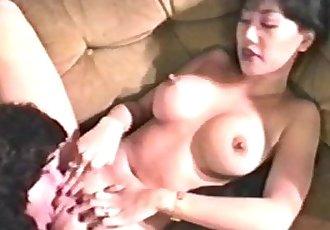Mimi Miyagi Austin Moore - 11 min