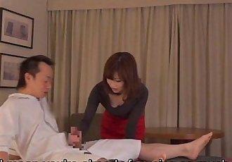 Subtitled CFNM Japanese hotel milf massage leads to handjob - 5 min HD