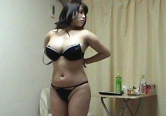 Peeping the undressing of japanese big-tits girls. - 37 sec