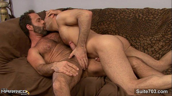 Gorgeous married guy gets fucked by a gayHD