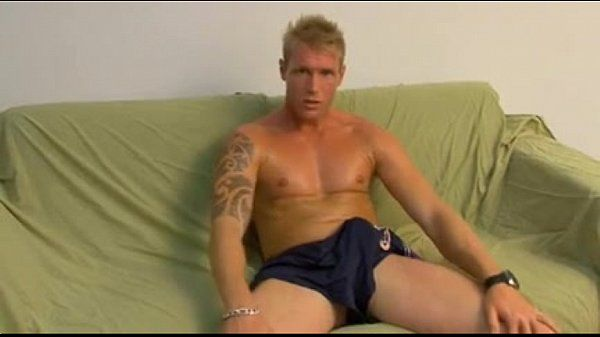 blonde stud solo