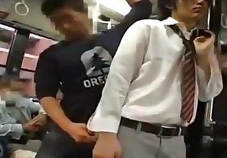 مثلي الجنس الجنس على الحافلة في اليابان