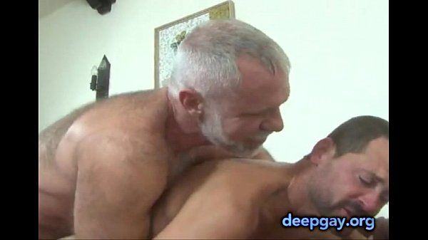Daddy Takes His Chaser On A Ride (deepgay.org)