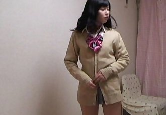 WEBCAM Yurina is change into uniform miniskirt - 49 sec