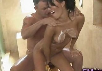 Аса Акира сексуальная мастурбирует