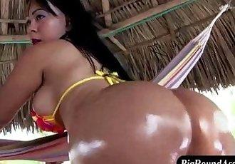 Bubble butt asian sucks - 7 min