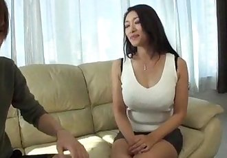 Busty Reiko Kobayakawa wants cock in her tight vag - 10 min