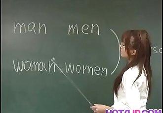 Manami Suzuki is pumped in the classroom 10 min