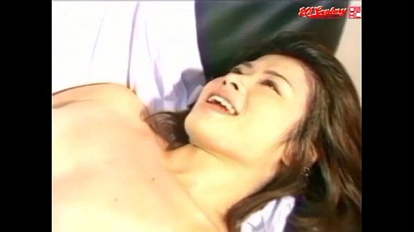 Couch Surfing (Uncensored JAV)