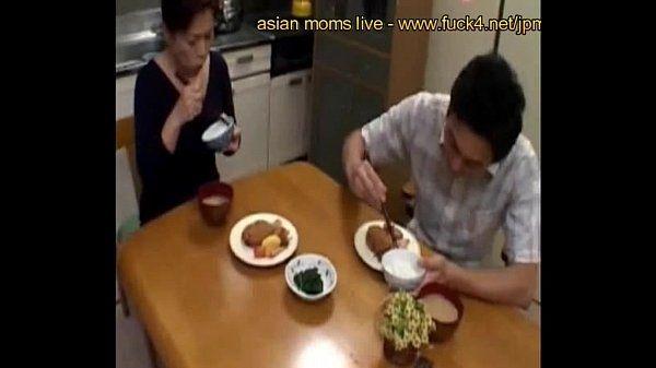 Mature japanese stepmom know howto suck www.fuck4.net/jp