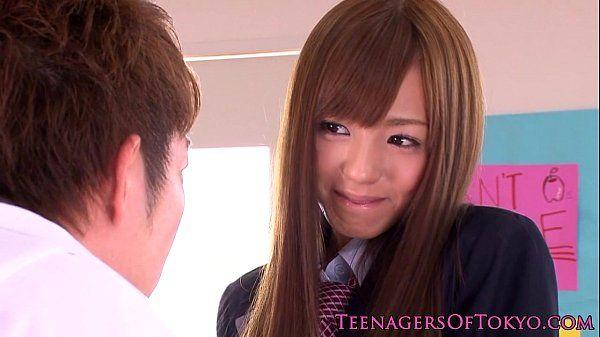 Japanese schoolgirl facialized in classroom HD