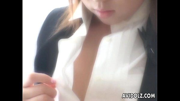 Natsuko takes her clothes off and toys her clitoris