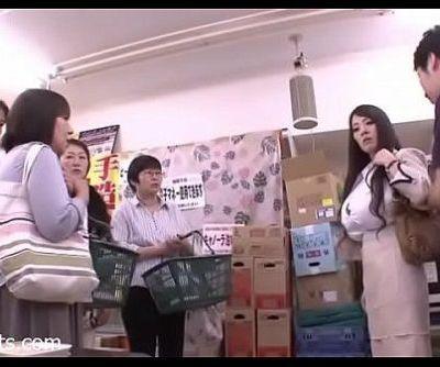 Hitomi Tanaka Fucked By Guard