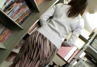 Asian housewife milf gets naked - 5 min