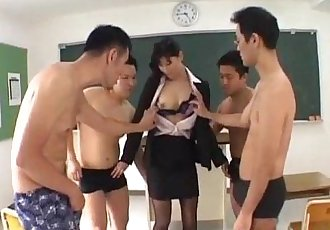 Japanese AV Model gets rivers of cum - 10 min