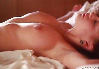 Vietnamese girl is masturbating - 25 min HD