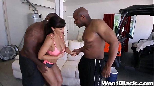 Lisa Ann is a goddess of porn