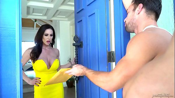 Kendra Lust and the collection departmentHD