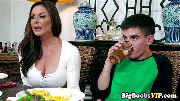 Horny MILF Kendra Lust sucks cock of boyfriend