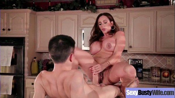 Slut Housewife (Ariella Ferrera) With Big Round Juggs Love Sex Action mov-05