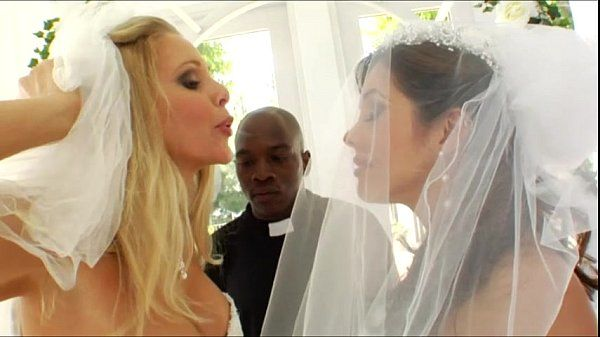 Bootylicious brides Francesca Le and Julia Ann anal pounded
