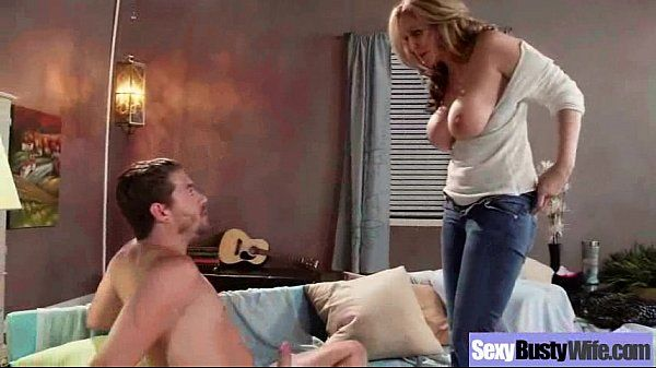 (julia ann) Mature Lady With Big Juggs Love Intercorse video-16