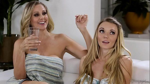 Julia Ann, Molly Mae, Gia Paige Threesome