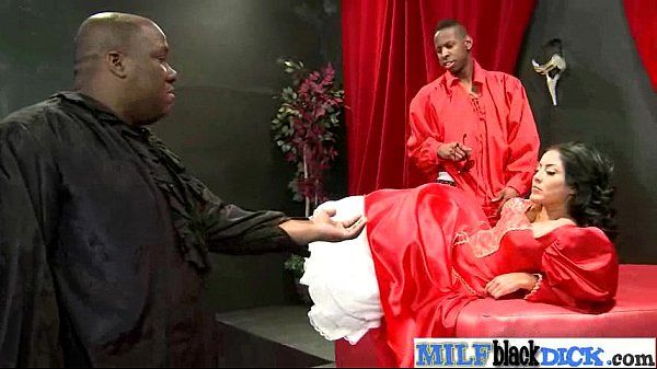 Interracial Sex Tape Between Mamba Cock Stud And Slut Milf (kiara mia) vid-19