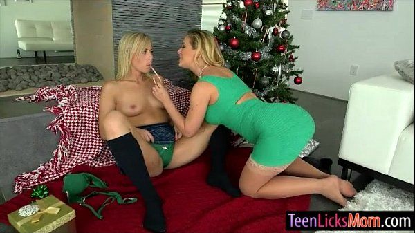 Zoey Monroe and Cherie Deville fondling each others pussies