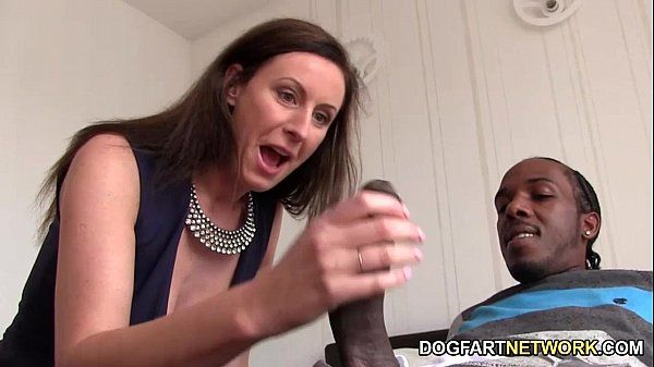 Lara Latex Quenches Her Hunger For Black CockHD