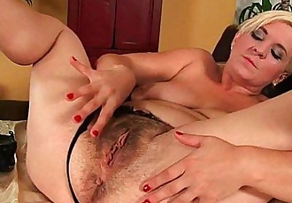 Furry moms fill their hairy sex hole with fingers and cockHD