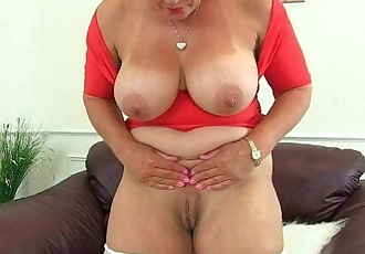 Milf Lucy Gresty is showing off Britains best mature boobsHD