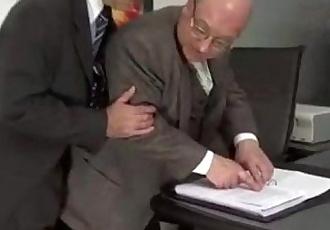 ejecutivos phiên cập