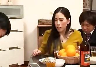 Lorsque japonais milf obtenez de l