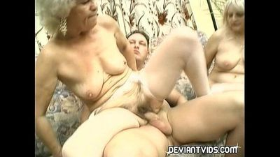 Granny threesome in the living room - 3 min