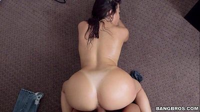 Big Latina Ass - 40 sec