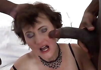 Interracial sex for granny that wants anal fucking and pussy fingering 10 min HD+