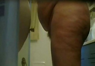 Hot video of my mature mom nude in bath room - 1 min 14 sec