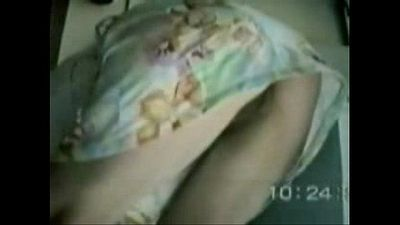 Spying under skirt of my mom. She dont has panty ! - 1 min 0 sec
