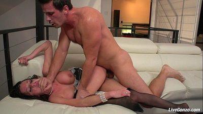 LiveGonzo Veronica Avluv Horny Mature Loves Dick - 8 min HD