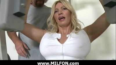 Hunting gorgeous milfs for hard sex 8 - 7 min