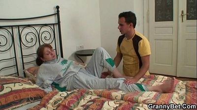 Injured granny takes his horny cock - 6 min