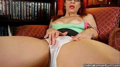 Classy mature lady masturbates in panties and pantyhose - 5 min HD