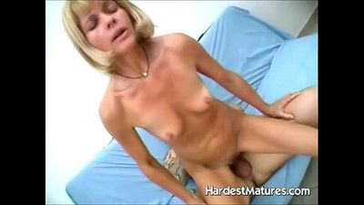 Hardcore mature sucking and fucking slut - 6 min