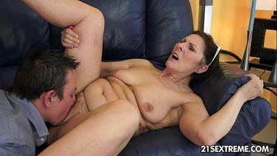 Cock-hungry GILF Margo and her newest boy toy - 10 min HD