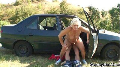 He picks up and fucks hitchhiking granny - 6 min