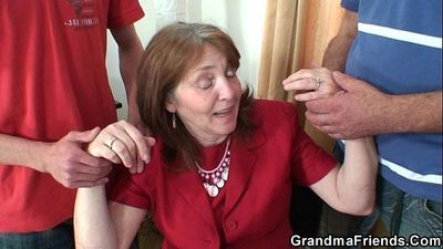 Busty granny in stockings rides and sucks at same time - 6 min