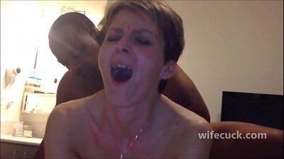 Skinny wife anal fuck - wifecuck.com - 3 min