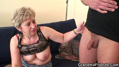 Nasty granny toying before double fuck - 6 min
